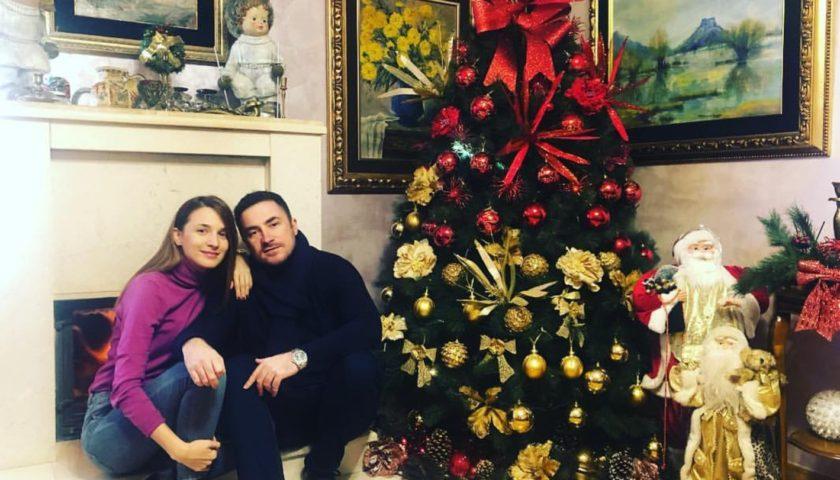 Aleksandar Bogdanović i Milena Marović: Porodični dom u novogodišnjem sjaju