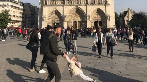 Magična fotografija koja je postala viralna: Tviteru, ako imaš magiju pomozi ovom tati
