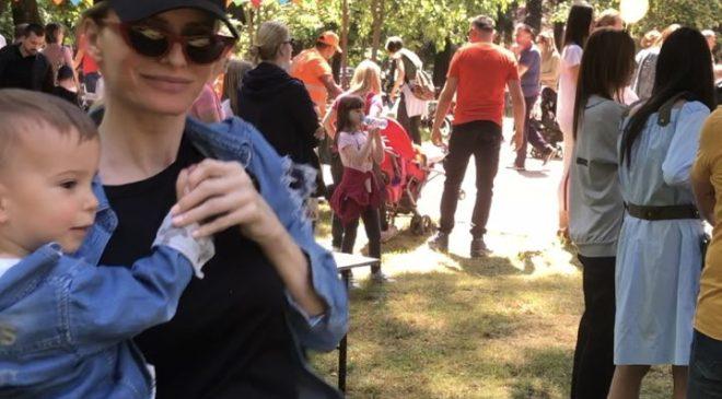 """Danijela Mujović sa sinom na """"Porodica festu"""": Ništa ne prepuštam slučaju kad je Maksim u pitanju"""