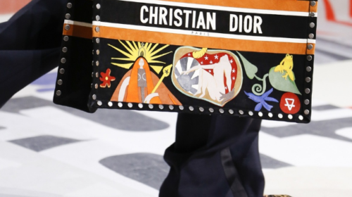 Dior vraća klompe na velika vrata