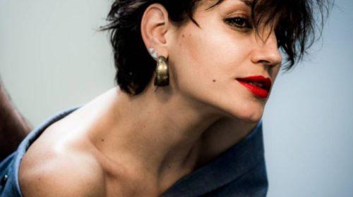 Nina Petković je ponovo eksperimentisala: Ponovo ima novu frizuru i boju kose