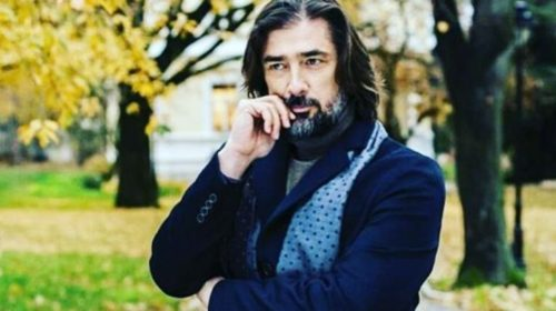 Poslušajte kako Vojin Ćetković iz izolacije recituje stihove čika Jove Zmaja