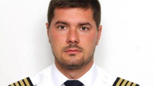 """Kapetan MA Nikola Pavlićević koji je iscrtao jutros srce na nebu iznad Crne Gore poručuje: """"Ovo je čista emocija"""""""
