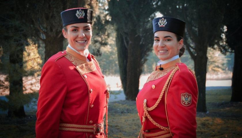 Upoznajte Ivanu i Mirjanu, prve žene u Počasnoj gardi Vojske Crne Gore