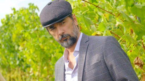 Vojin Ćetković: Sam orezujem vinograd, a grožđe proizvodim samo za jelo