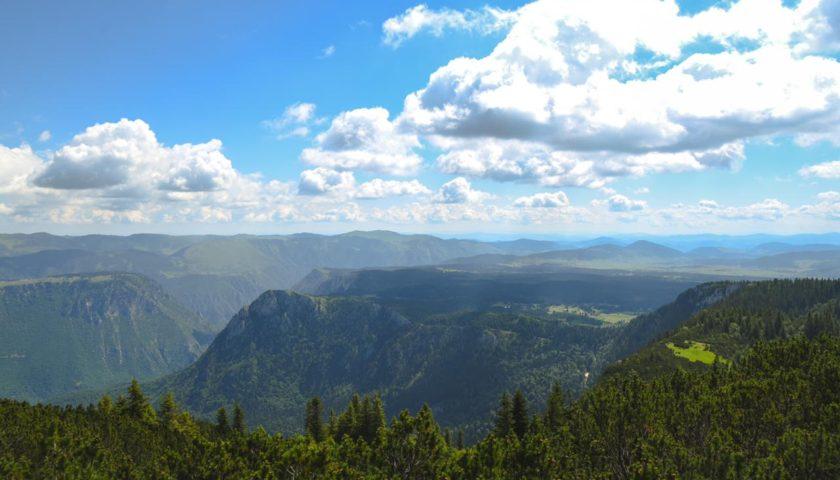 Prirodne ljepote Žabljka sa preko 1200 metara nadmorske visine! Zelenilo odmara oči!